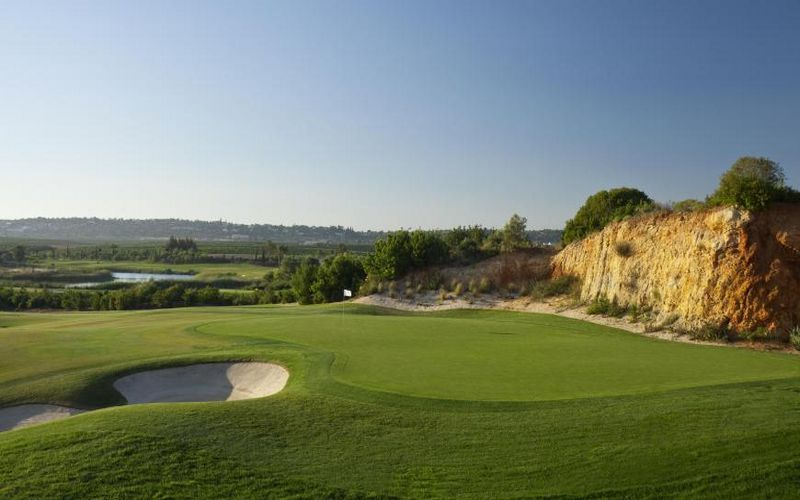 amendoeira golf resort algarve golf holidays