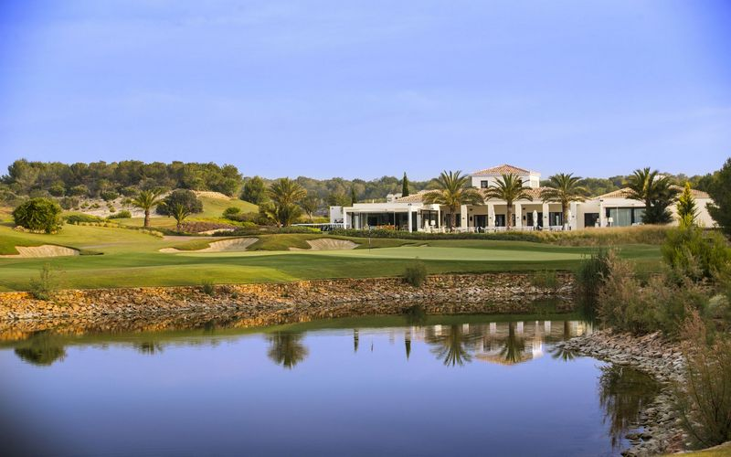 Las Colinas Golf Club House