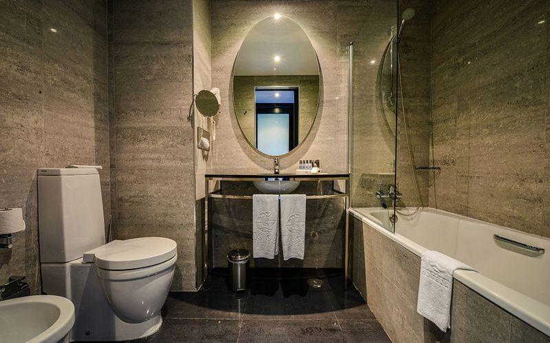 Vila Gale Lagos Portugal Bathroom