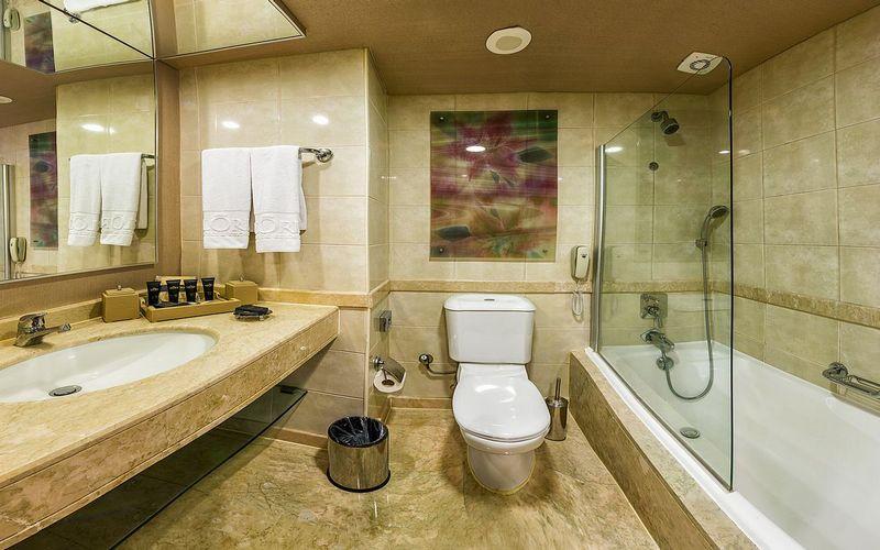 gloria golf resort bathroom turkey