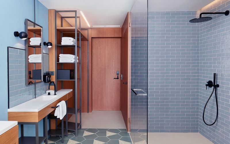 lavida hotel bathroom
