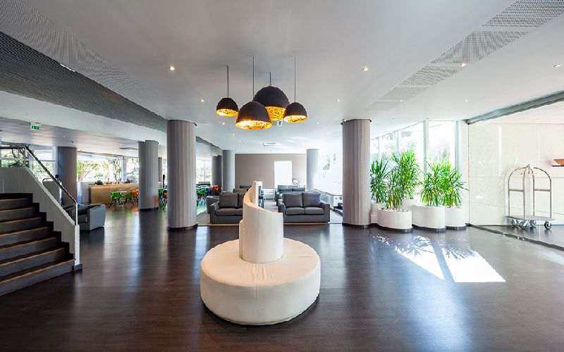 Dom Pedro Vilamoura golf hotel reception