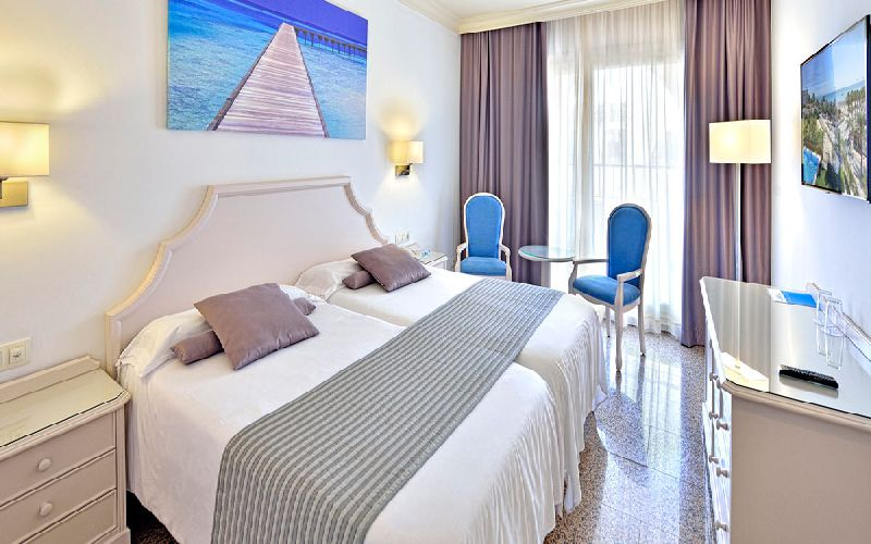 mac puerto marina golf hotel bedroom